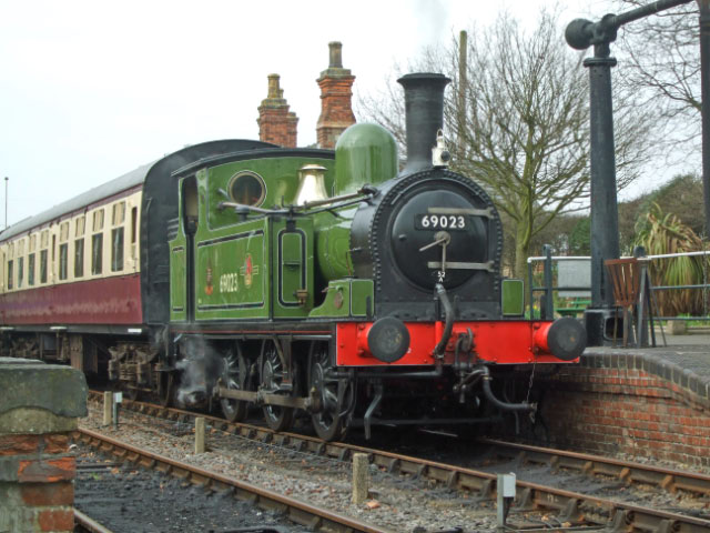 J72 at Hedingham Station - Sally Halls