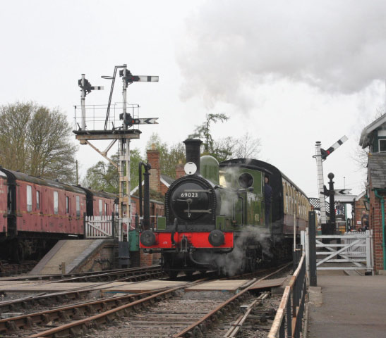 Departing Castle Headingham - Keith Halton