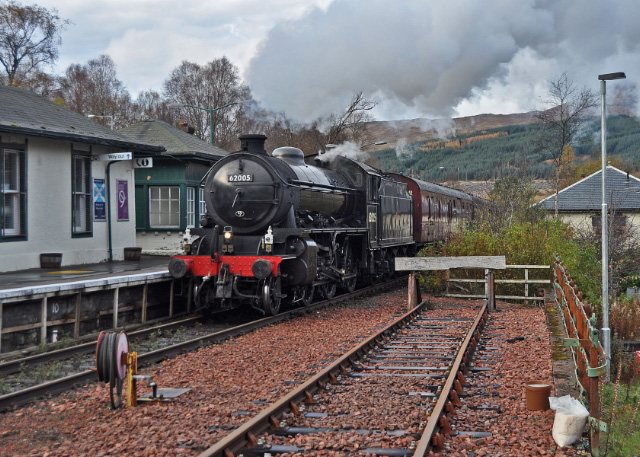 Entering Crianlarich on the 29th October - Colin Smith