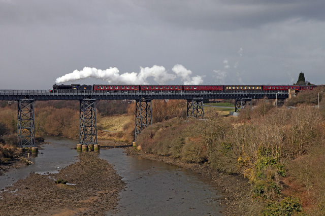 K4 heads the train over Kitty Brewster viaduct - Maurice Burns