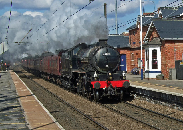 The K1 62005 heads The Wansbeck as it travels through Chester le Street station on ECML - Colin Smith