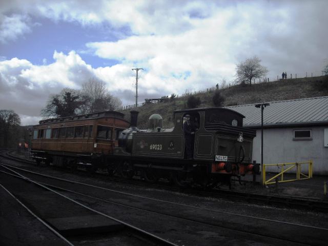 J72 and Old Gentleman's Saloon return from a trip to Goathland - John Midcalf