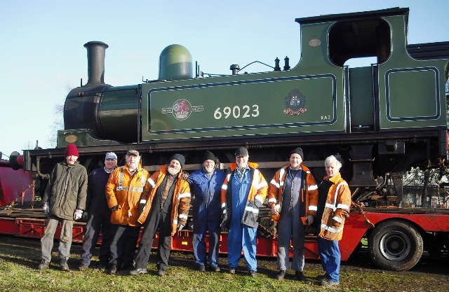 NELPG crew for the unloading of 69023, Hugh Pannell, Steve Hyman, Malcolm Simpson, Peter Shields, Terry Newman, John Hall, Martin Clark, Fred Ramshaw  - John Midcalf