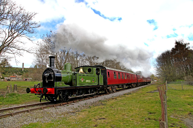 Steaming past the foot crossing near Wensley station - Maurice Burns