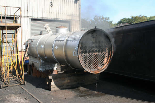 Q6 boiler under steam test 1-10-2006 - Derek Norris