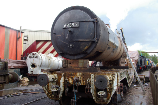 Q6 during insurance steam test at LNWR Crewe 13-05-2014 J27 boiler on left Q6 frames on far left - Chris Lawson