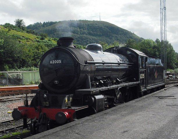 62005 in Fort William yard with Cow Hill in the background - John Midcalf