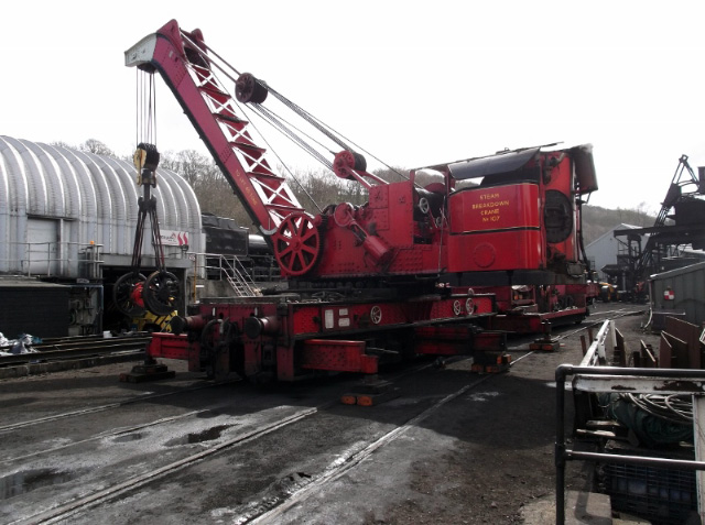 Grosmont stream crane lifts Q6 driving wheelset Friday 17 April 2015 - Darrin Crone