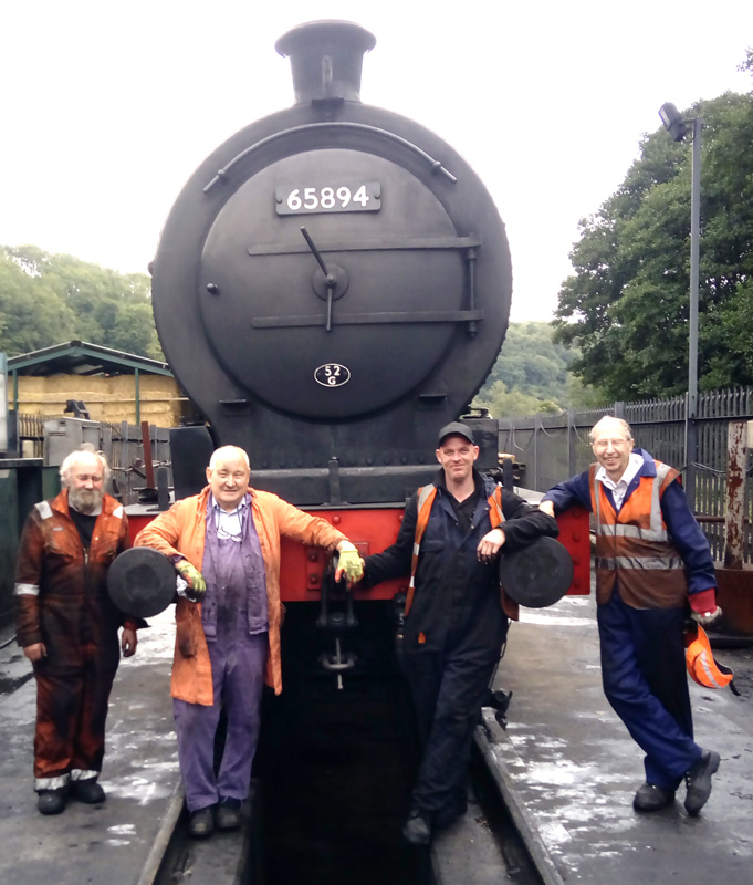 Coupled up to the tender ready for a warming fire with Mushroom, Chris Cubit, Paul Wickham and Les Harper - Rpy Marshall