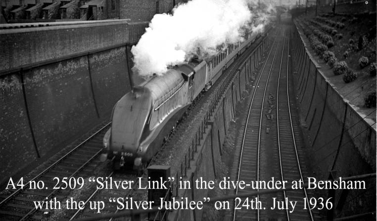A4 2509 Silver Link