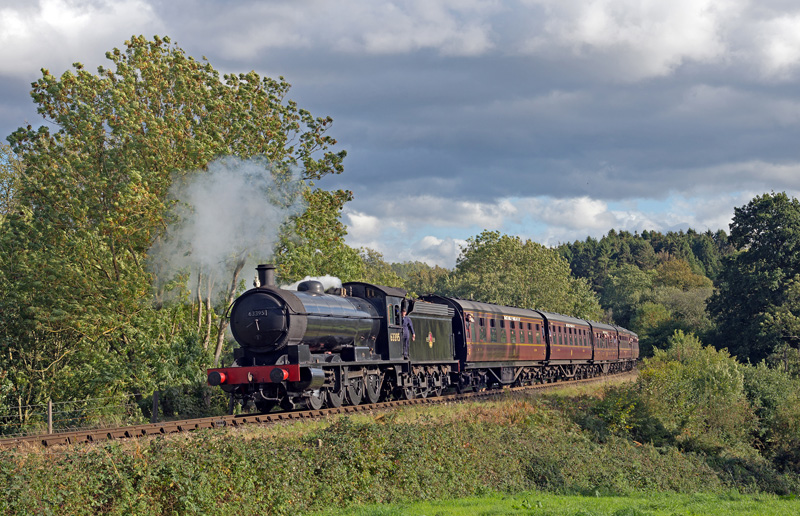 Q6 approaching Hay Bridge to begin the climb of Eardington Bank with the 15.15 ex Kidderminster to Bridgnorth on the Severn Valley Railway. 21 September 2018 - Phil Waterfield.